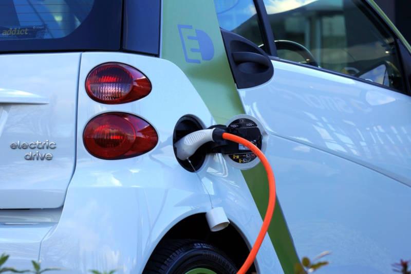 Elektro Wichterich, Auto laden